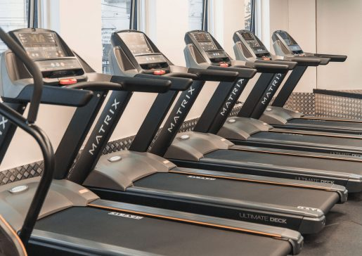 Treadmills train 24/7 fitness kew